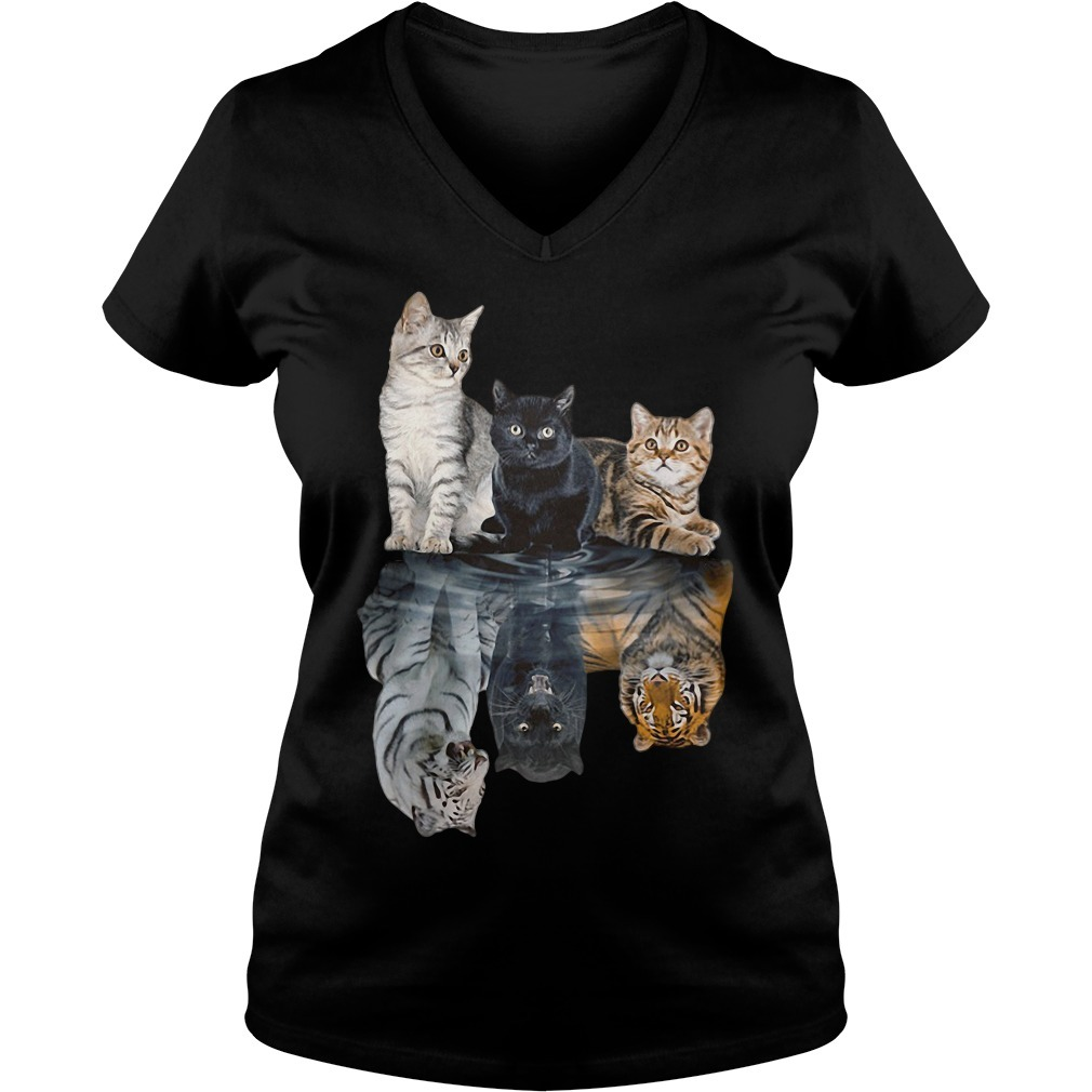 Cats tiger white glosbe V-neck T-shirt