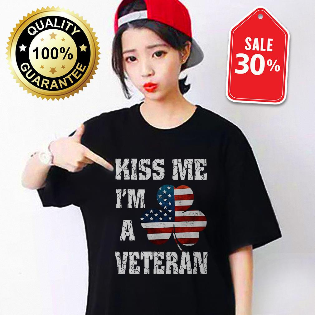 Kiss me I'm a veteran American shamrock flag Guys Shirt