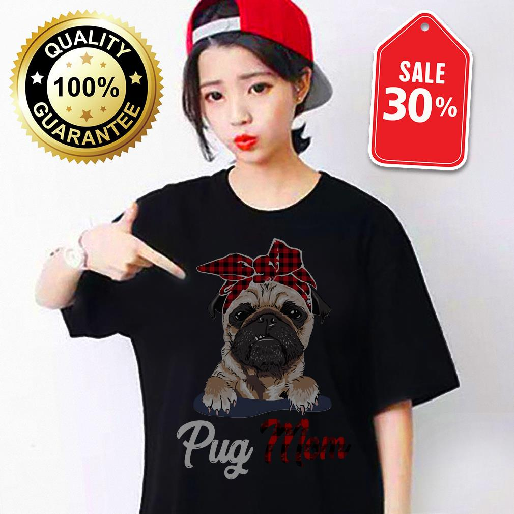 Pug mom Bandana T-shirt
