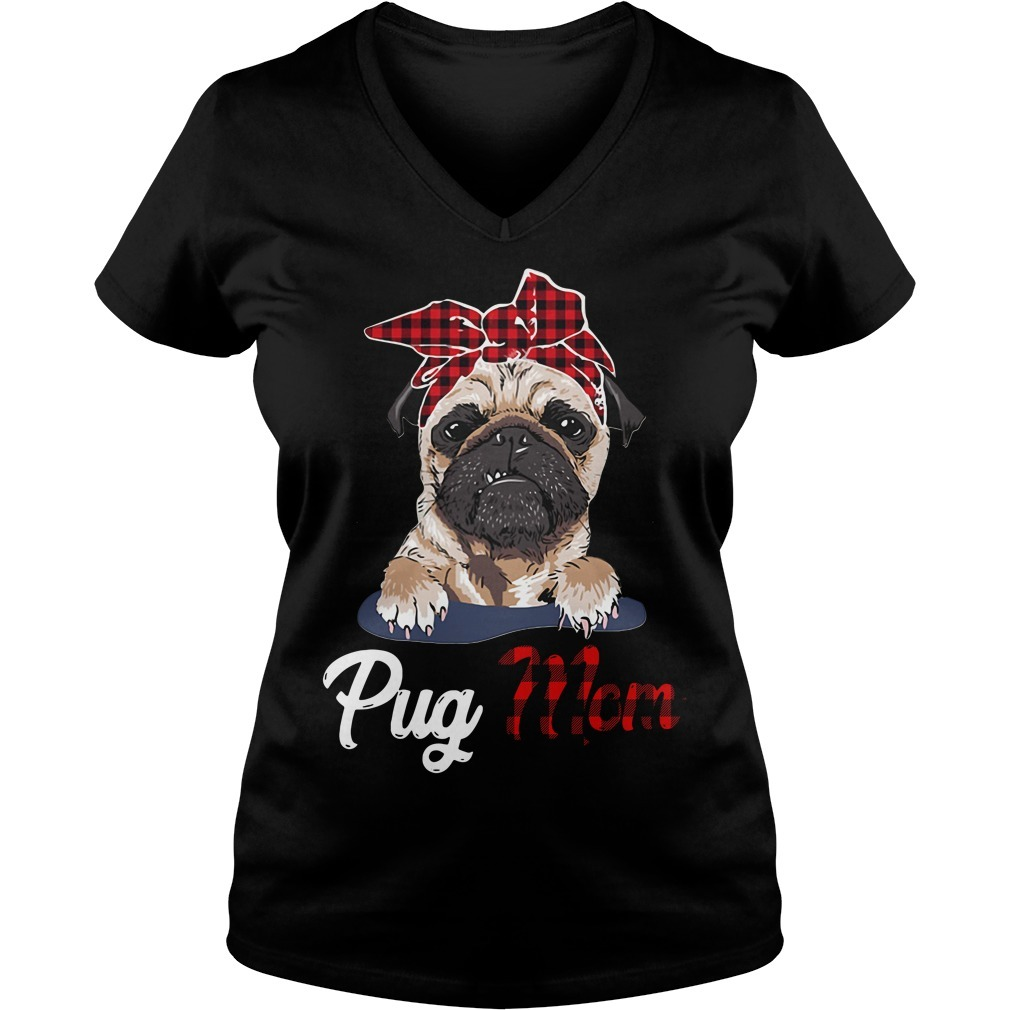 Pug mom Bandana V-neck T-shirt