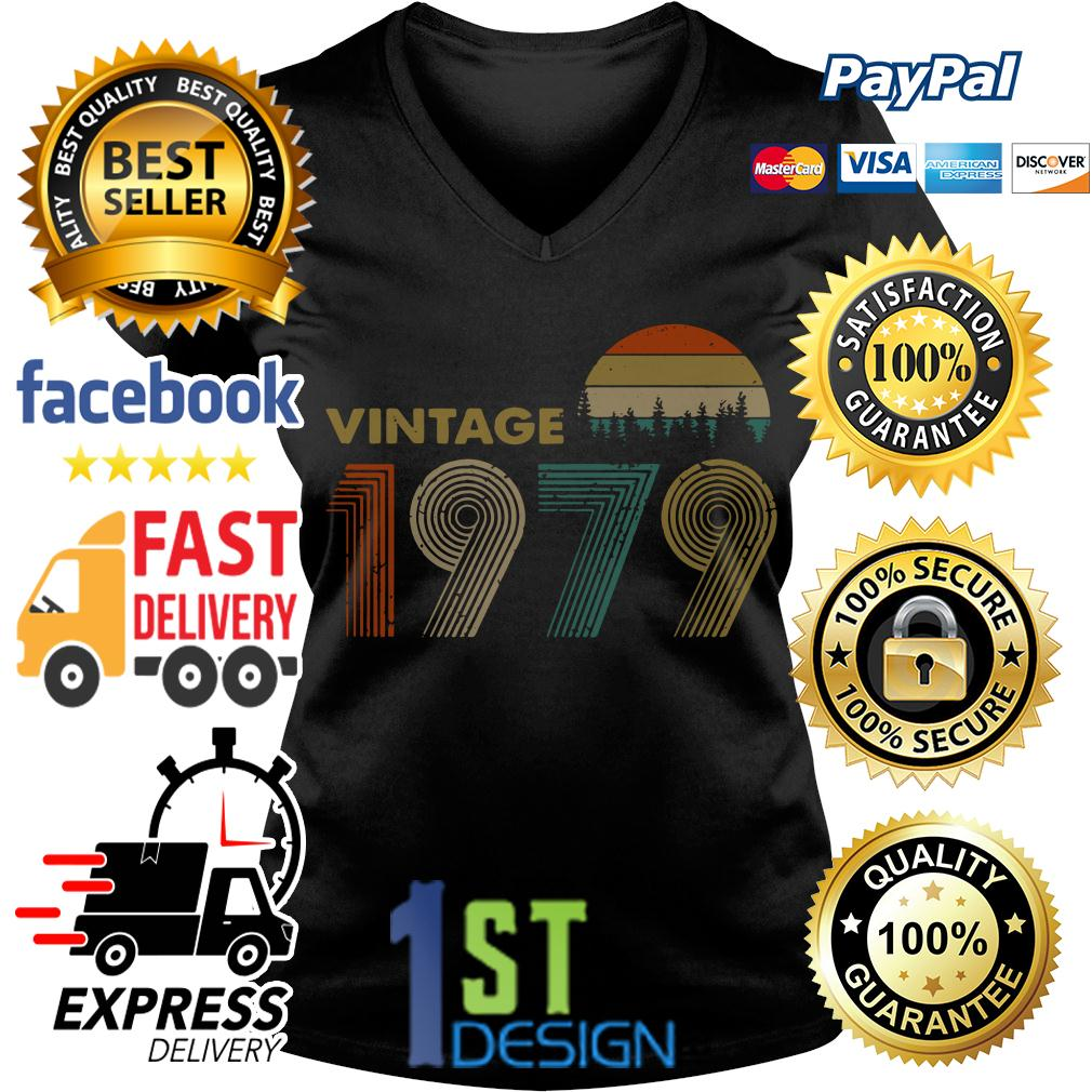 40th birthday vintage 1979 sunset retro V-neck T- shirt
