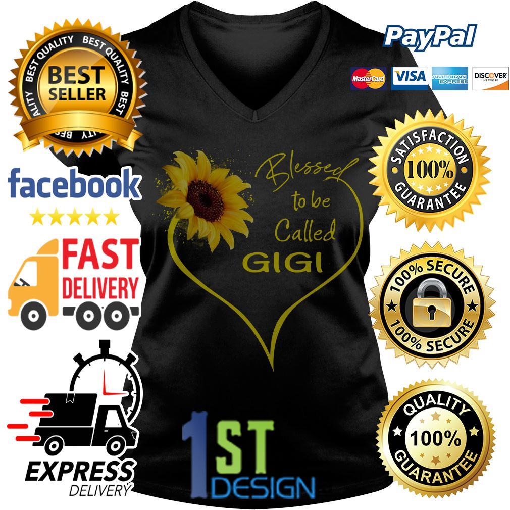 Sunflower blessed to be called Gigi V-neck T-shirt