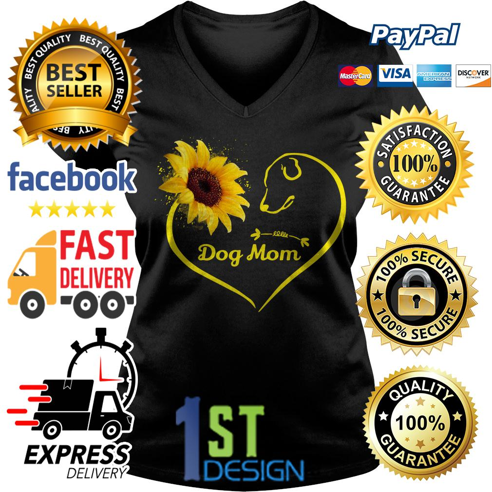 Heart shaped sunflower love dog mom V-neck T-shirt