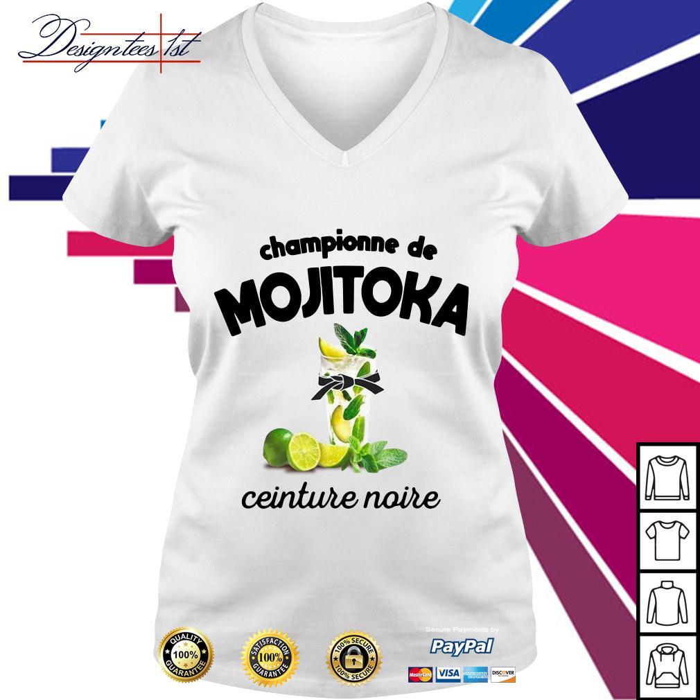 Championne de Mojitoka ceinture noire V-neck T-shirt