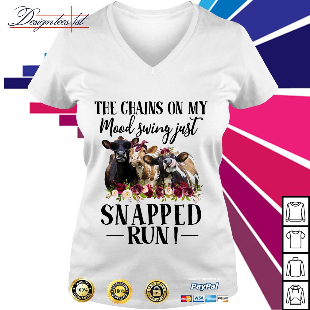 Floral cow the chains on my mood swing just snapped run V-neck T-shirt