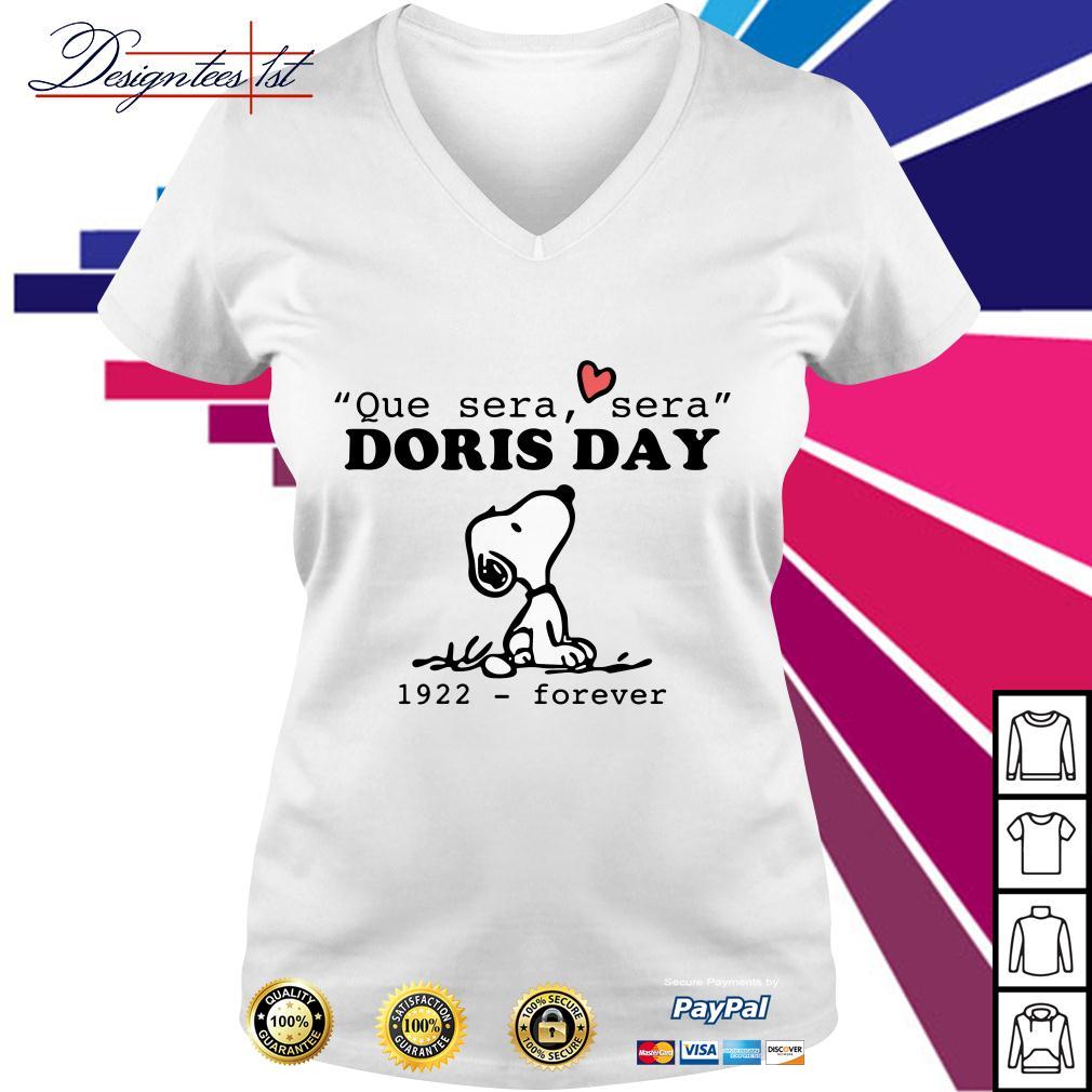 Snoopy que sera sera Doris day 1922 forever V-neck T-shirt