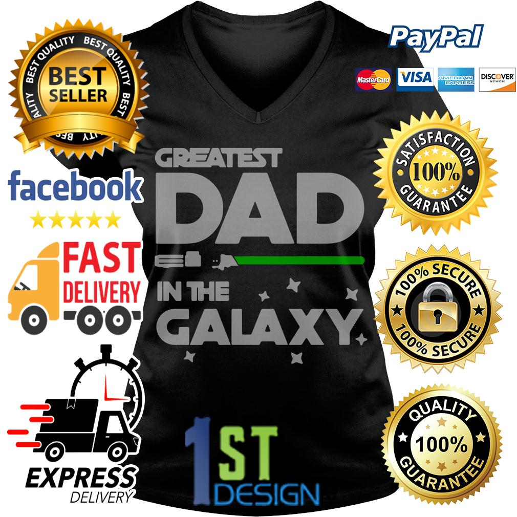 80ca8aa7 Sweater Star War greatest dad in the galaxy V-neck T-shirt