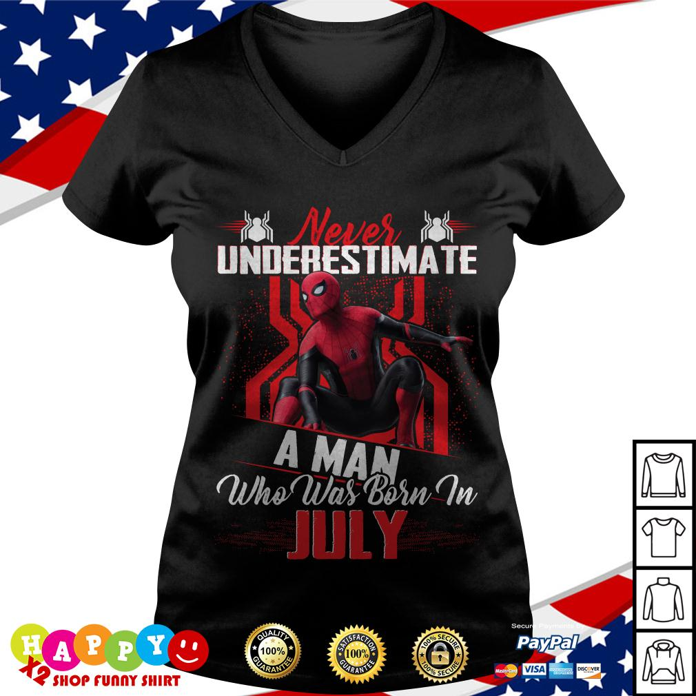 Spider-man never underestimate a man who was born in July V-neck T-shirt