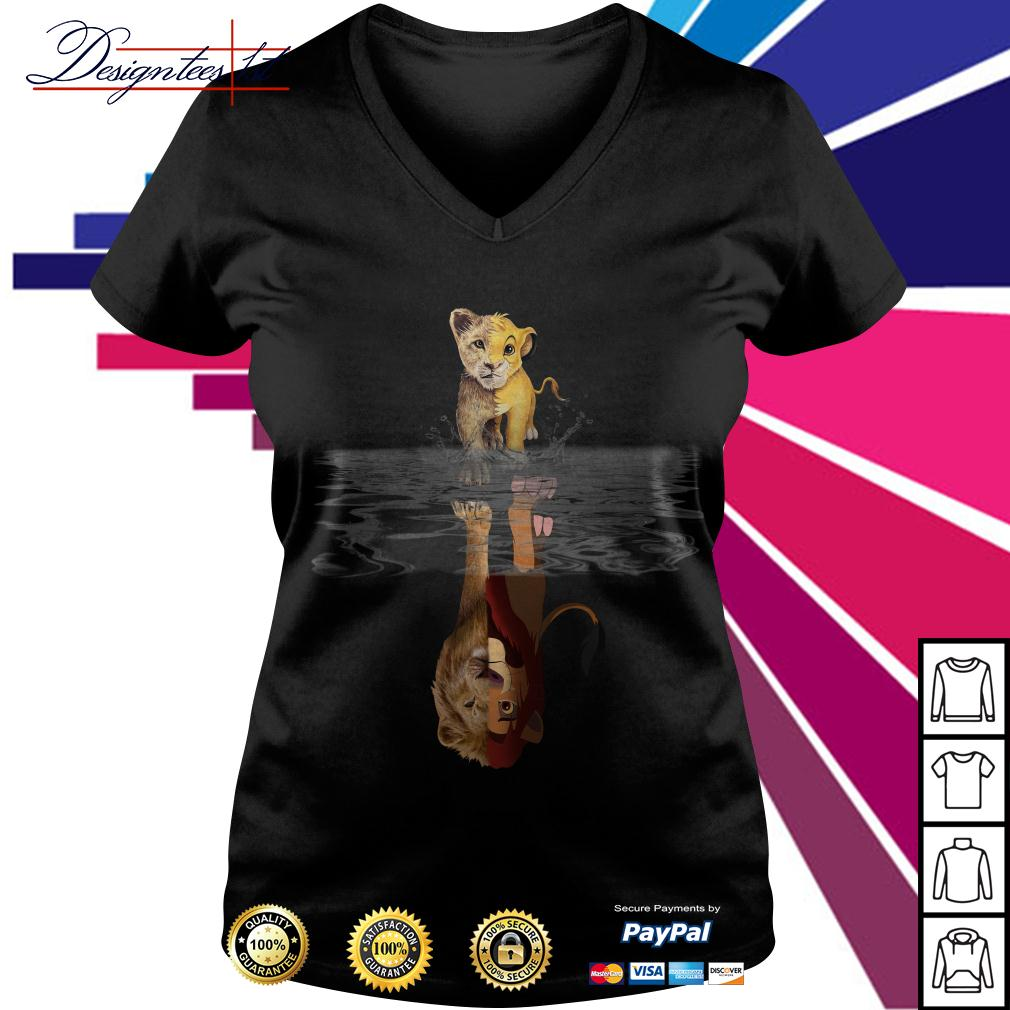 The Lion King Simba water mirror reflection Mufasa V-neck T-shirt