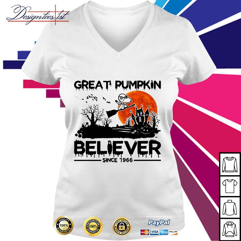 Snoopy great pumpkin believer since 1966 V-neck T-shirt