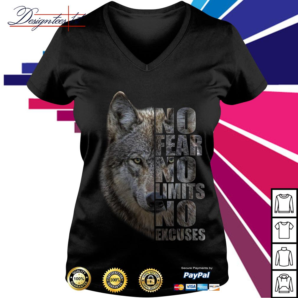 Wolf no fear no limits no excuses V-neck T-shirt