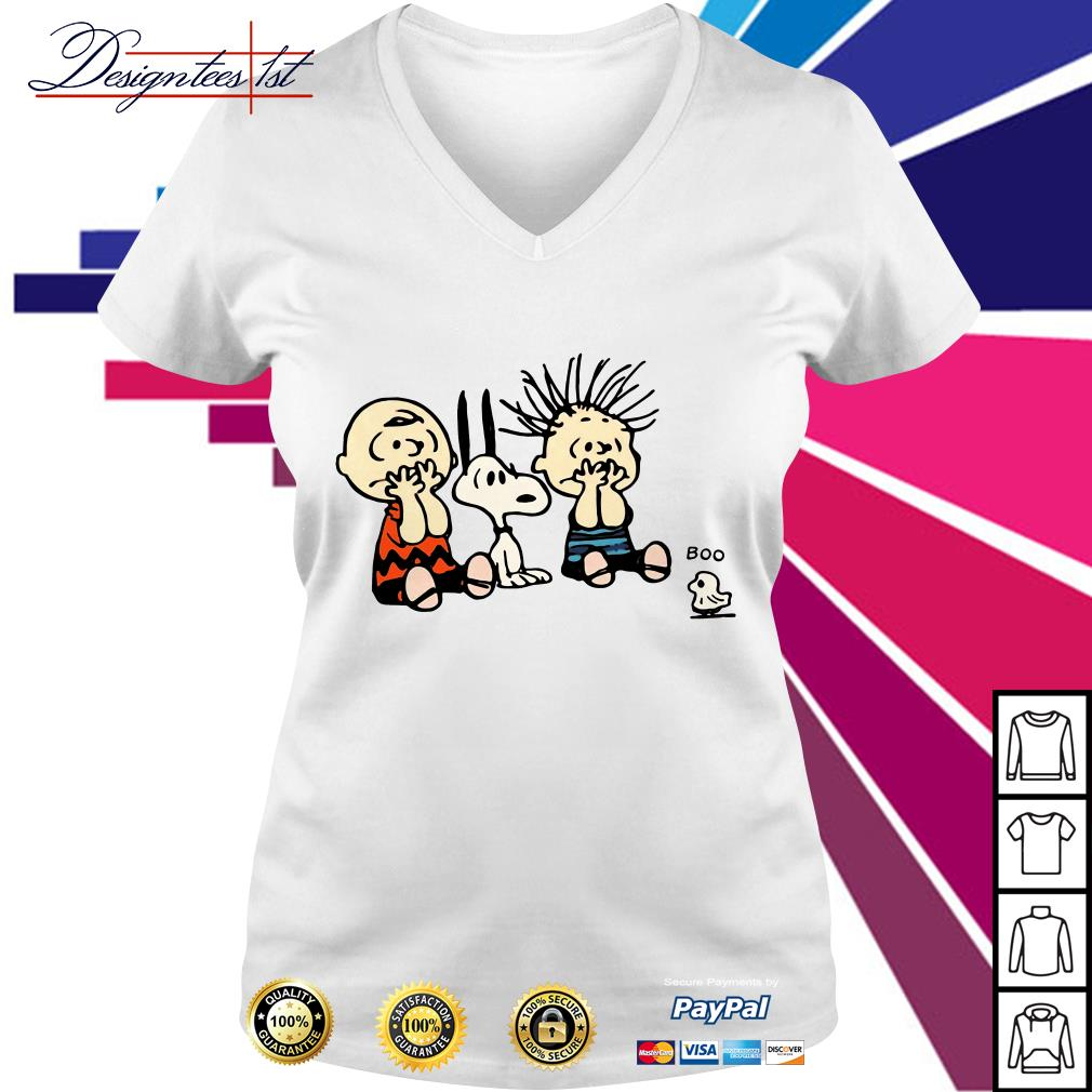 Halloween Boo Snoopy Charlie Brown and Linus Van Pelt Frightened of ghost V-neck T-shirt